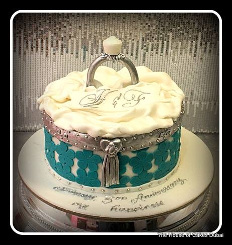 Delicious Treats For Your Wedding Cake From The House Of