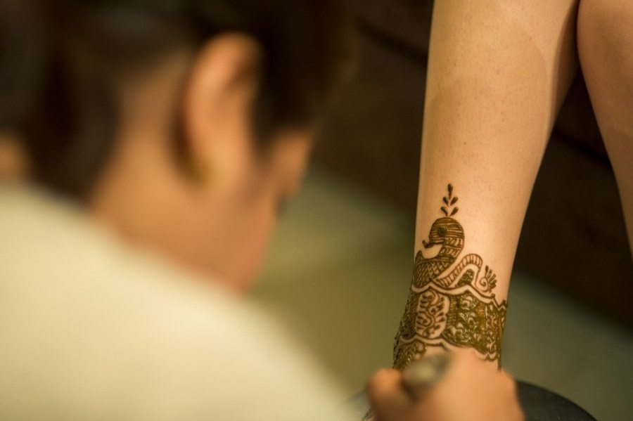 Artistic Henna Designs in Dubai by Vandana Makar