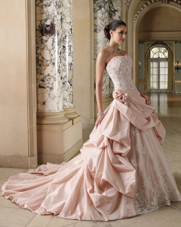 Wedding gowns in dubai exclusive locations for beautiful for Top 5 wedding dress designers